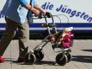 Bei einem Autounfall in NRW wurden drei Personen verletzt, darunter eine Rentnerin (Symbolbild). (Foto)