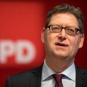 Notarzt! SPD-Politiker verliert Zahn bei Klausurtagung (Foto)