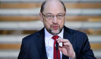 Der SPD-Parteivorsitzende Martin Schulz spricht bei den Koalitionsverhandlungen von CDU, CSU und SPD in der SPD-Parteizentrale zu den Medienvertretern. (Foto)