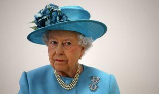 Königliche Schwäne sterben! Die Queen ist not amused. (Foto)