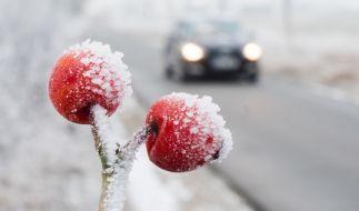 Frost und Schnee erhöhen die Gefahr für Glatteis auf den Straßen. (Foto)