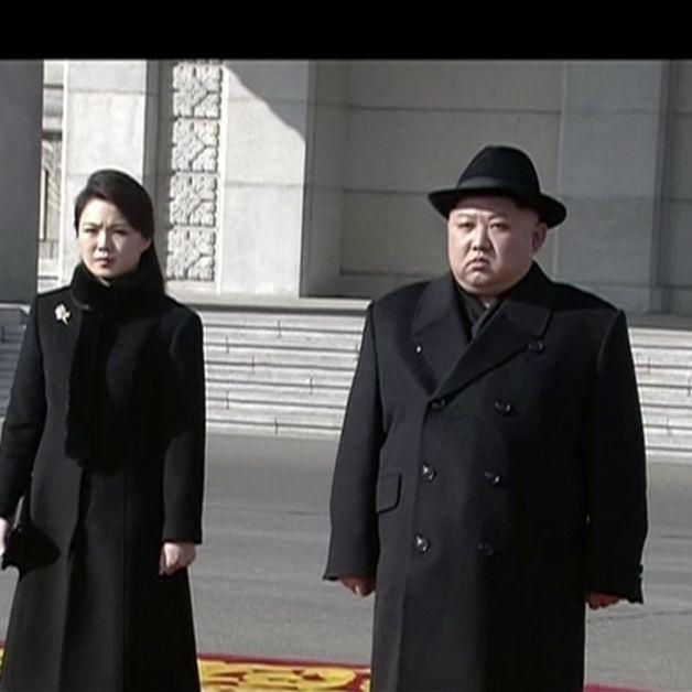 Schock-Auftritt! HIER zeigt er seine Frau Ri Sol Ju (Foto)