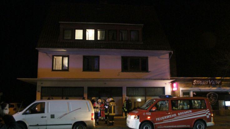 In Bremen mussten acht Menschen mit Kohlenmonoxidvergiftung in Krankenhäuser gebracht werden