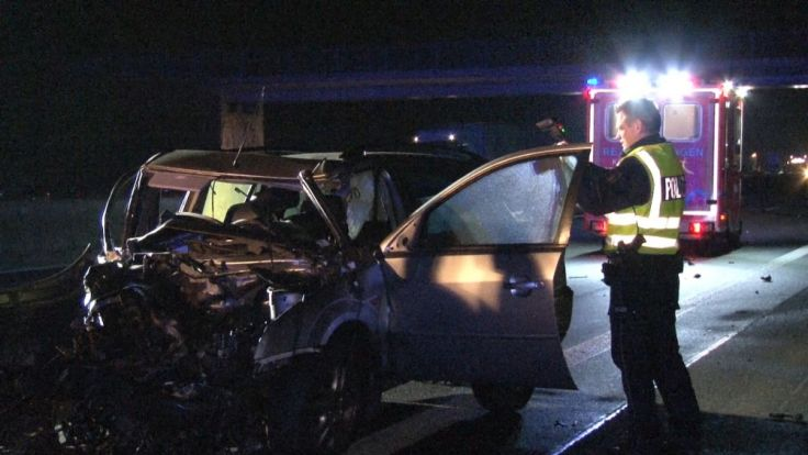 27-Jährige aus Auto geschleudert - tot