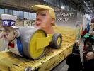 Köln: Ein Motivwagen mit Trump als Thema steht in der Wagenbauhalle des Kölner Karnevalsvereins. Das Thema Trump ist im Karneval weiterhin beliebt. (Foto)