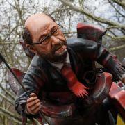 Mainz: Ein Motivwagen mit einer Karikatur des SPD-Kanzlerkandidaten Martin Schulz als
