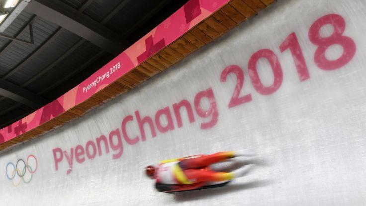 Felix Loch rodelte mit einem Riesenfehler an einer Medaille vorbei. (Foto)