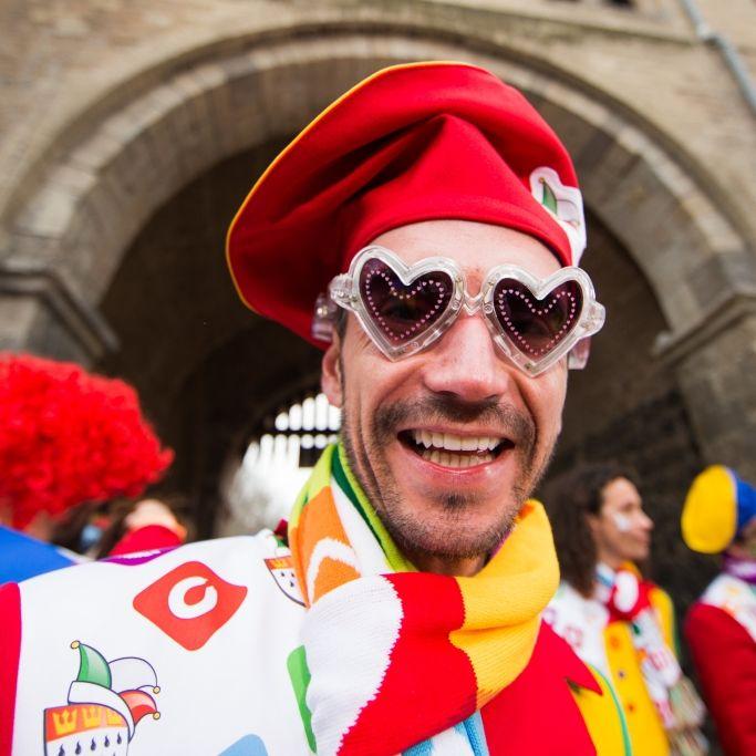 Sexy oder durchgeknallt? SO wild feiern die Promis Karneval (Foto)