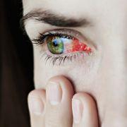 Eine Frau aus Indien blutete plötzlich aus den Augen (Symbolbild).