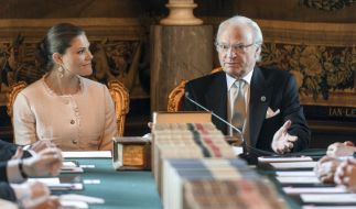 Zukunft und Gegenwart der schwedischen Monarchie: Kronprinzessin Victoria von Schweden und König Carl XVI. Gustaf von Schweden. (Foto)