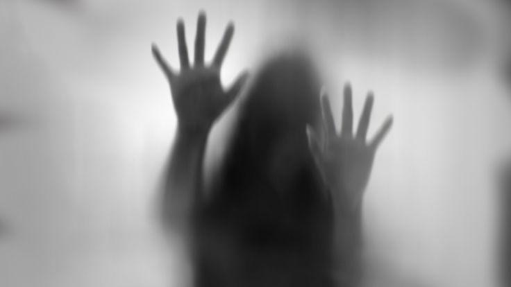 Gruppe junger Männer soll Schülerinnen vergewaltigt haben