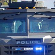 Spezialeinheiten rücken an, nachdem an der Marjory Stoneman Douglas High School tödliche Schüsse gefallen sind.