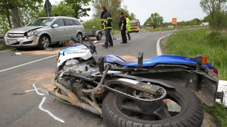 In Aurich, Ostfriesland: Schock-Unfall! Vater fährt eigenen Sohn tot