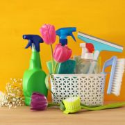 Putzen tötet! Reinigungssprays sind so gefährlich wie Zigaretten (Foto)