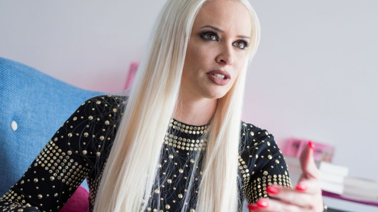 Daniela Katzenberger: Sexy Bikini-Video am Pool