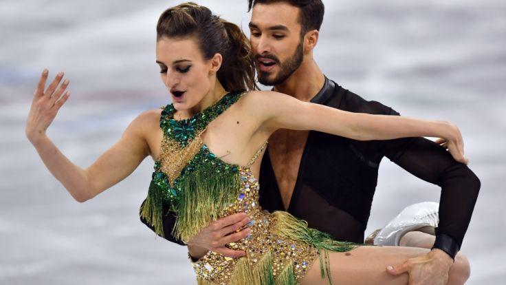 Bei ihrer Kür ließ die französische Eiskunstläuferin Gabriella Papadakis tief blicken.