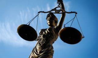 In Großbritannien muss sich eine 22 Jahre alte Frau vor Gericht verantworten, nachdem sie ihr Baby mit einer Überdosis Antidepressiva vergiftet und erstickt haben soll (Symbolbild). (Foto)