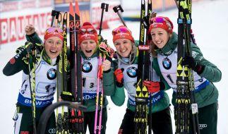 Die Biathlon-Staffel mit Laura Dahlmeier, Franziska Hildebrand, Denise Herrmann und Franziska Preuß will eine Medaille. (Foto)