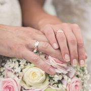 Inzest-Vater heiratet Tochter (20) und zeugt Baby (Foto)