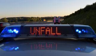 Zwei Ersthelfer sterben bei einem tragischen Autounfall auf der A70. (Foto)