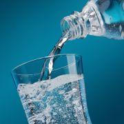 Achtung! Netto ruft DIESES Mineralwasser zurück (Foto)