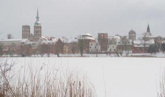 Nach den Schneefällen ist Mecklenburg-Vorpommern vielerorts weiß verhüllt. (Foto)