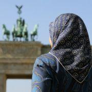 Kopftuch-Sex bricht Pornostar das Genick (Foto)