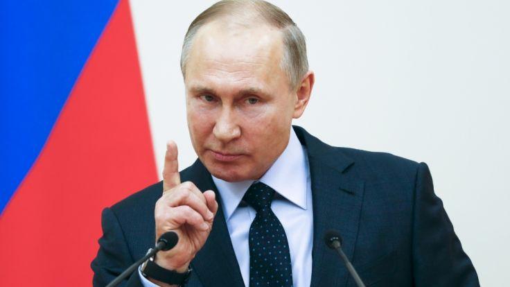 Putin sagt, Russland habe neue unverwundbare Atomwaffen entwickelt - und droht einer Nation