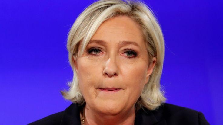 Gegen die französische Rechtspopulistin Marine Le Pen wurde ein Ermittlungsverfahren wegen der Verbreitung von Gewaltbildern der Terrormiliz Islamischer Staat eingeleitet