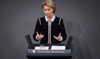 Verteidigungsministerin Ursula von der Leyen (CDU) hat ein hartes Vorgehen gegen Kinderschänder in der Bundeswehr angekündigt. (Foto)
