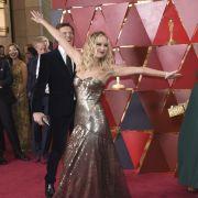 Fotobombe a la Jennifer Lawrence.