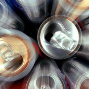 Prost! Pinkel-Skandal bei Coca Cola (Foto)