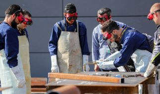 Aufgrund von Lehrlingsmangel können viele Flüchtlinge einen Beruf erlernen. (Foto)