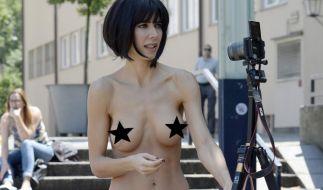 Performancekünstlerin Milo Moiré provoziert bevorzugt textilfrei in der Öffentlichkeit. (Foto)