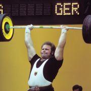 Gewichtheber-Legende stirbt im Alter von 67 Jahren (Foto)