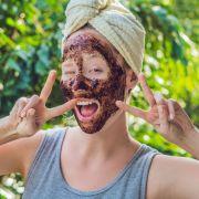 Promis schwören auf DIESE Penis-Gesichtsmaske (Foto)