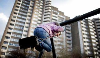 Besonders Kinder rutschen durch Hartz IV schnell in die Armut. (Foto)