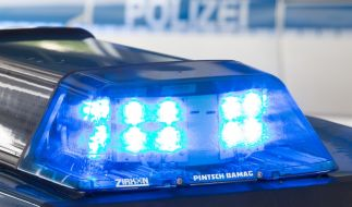 In Köln-Braunsfeld wurde einem 13 Jahre alten Jungen sein Smartphone von zwei Räubern gestohlen (Symbolbild). (Foto)
