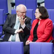 Merkels Vertrauter unter Beschuss! Stürzt Nahles nun auch Volker Kauder? (Foto)