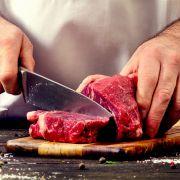 Mahlzeit! Künstler streamt Pärchen-Kannibalismus bei Facebook (Foto)