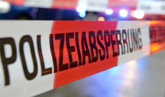 In Halle an der Saale ist eine leblose männliche Person im Hafenbecken gefunden worden. (Symbolbild) (Foto)
