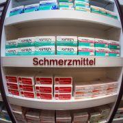 Ohne Wirkung! Finger weg von DIESEN rezeptfreien Mitteln (Foto)