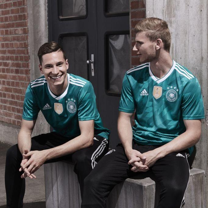 Trikot-Panne! Spott für DFB-Team bei Länderspiel (Foto)