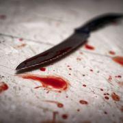 Frau nach Messer-Attacke immer noch in Lebensgefahr (Foto)