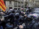 In Barcelona ging die Polizei mit Schlagstöcken gegen die Demonstranten vor. (Foto)