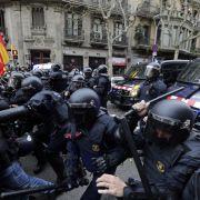 Über 30 Verletzte bei Protest gegen Puigdemont-Festnahme (Foto)