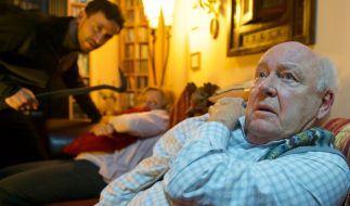 Für ein älteres Ehepaar nimmt das Jahr ein erschreckendes Ende: Sie werden am Silvesterabend Opfer brutaler Räuber. (Foto)