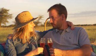 """Bauer Gerald aus Namibia und Projektleiterin Anna haben dank """"Bauer sucht Frau"""" ihr Liebesglück gefunden. (Foto)"""