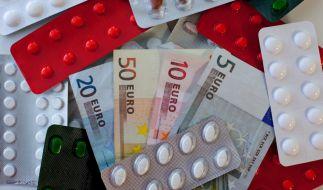 Bei Zuzahlungen für rezeptpflichtige Arzneimittel müssen Verbraucher ab dem 1. April 2018 tiefer in die Tasche greifen (Symbolfoto). (Foto)