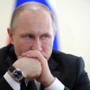Russland weist 60 US-Diplomaten aus und schließt US-Konsulat (Foto)